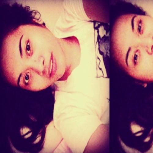 laura'svoice's avatar