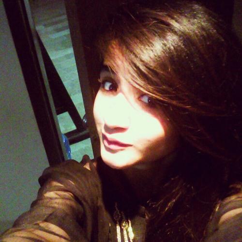 Maheen noor's avatar