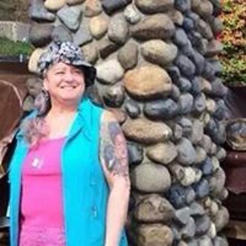 Elaine Simons's avatar