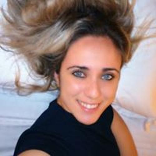 Denise Moraes's avatar