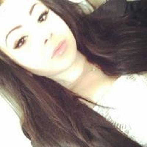 Victoria Daniels's avatar
