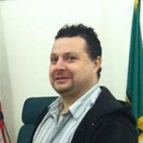 Claudio's avatar