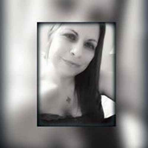April Mary's avatar