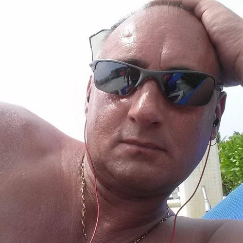 Ian Robinson 12's avatar