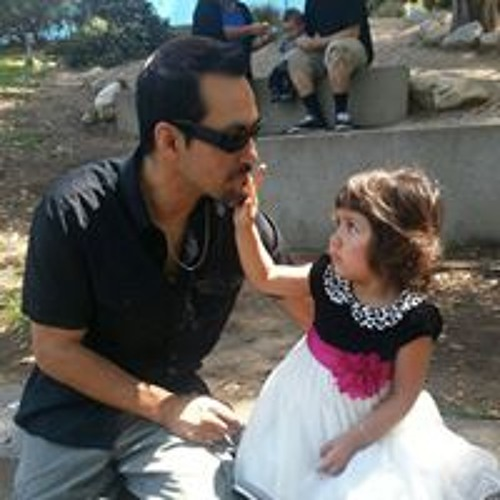 Raul Mike-e Figueroa's avatar