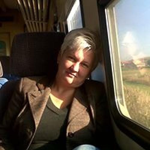 Lázár Simona Si Zoli's avatar