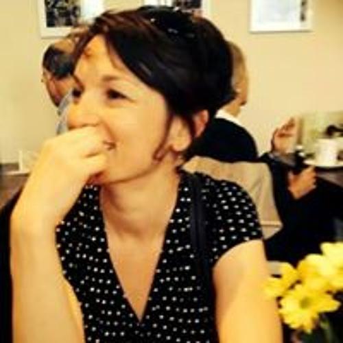 Becky Fowler's avatar