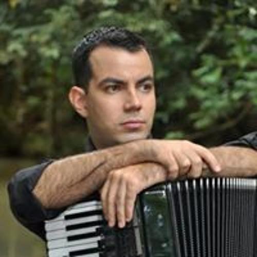 Daniel Castilhos's avatar