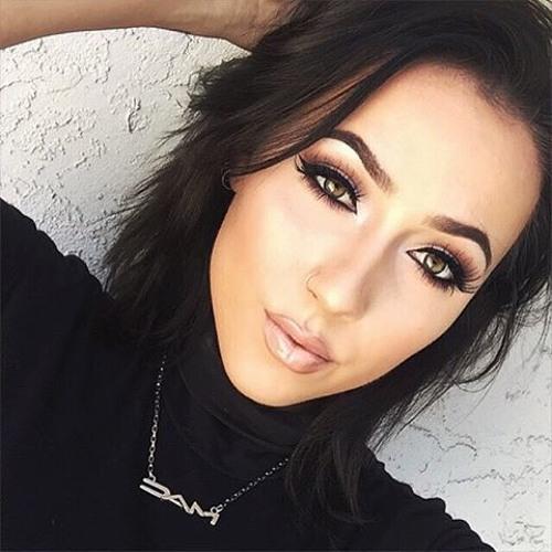 Natasha Roman's avatar