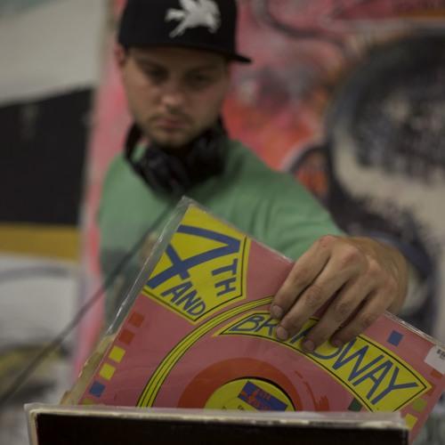 DJ Courier's avatar