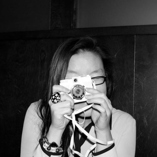 Emily Tang's avatar