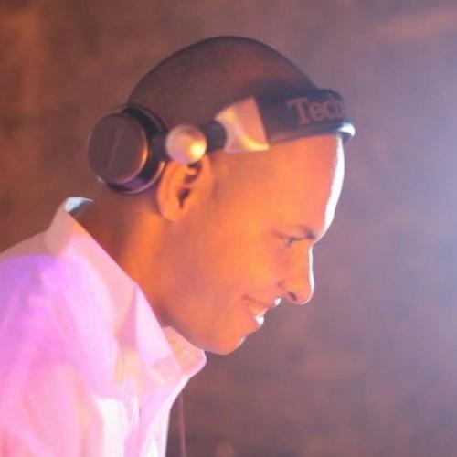 DJ Carlos Abreu's avatar