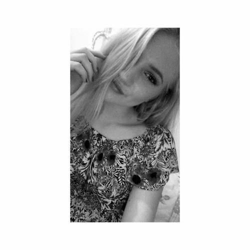 LauraCryd0g's avatar