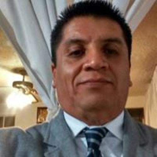Carlos Tabares's avatar