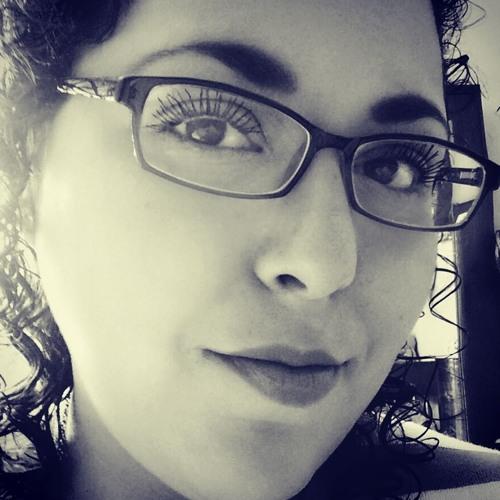 Pauxx Shantal Flores's avatar