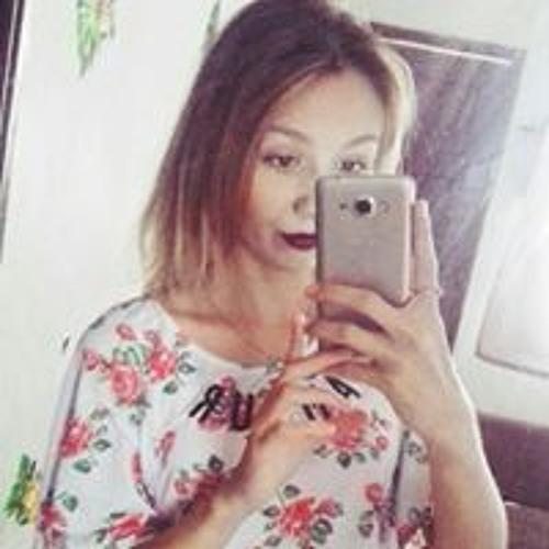 Camila Bueno's avatar