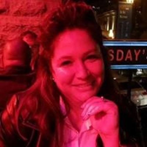 Iris Oronhiahawi Phillips's avatar