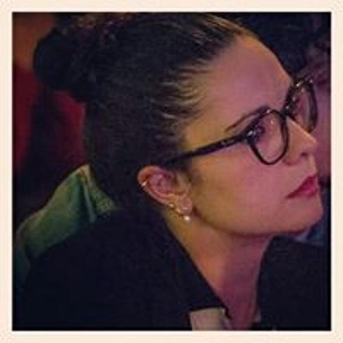 Carolina Carvalho's avatar