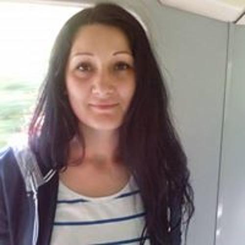 Alina Ticula's avatar