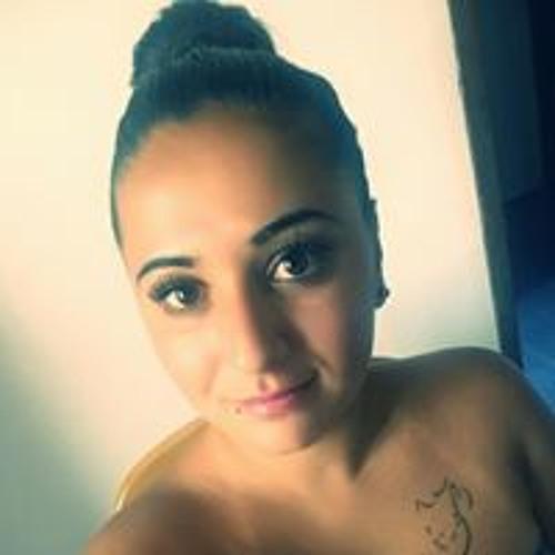 Winaa Wincii Wincicaa's avatar