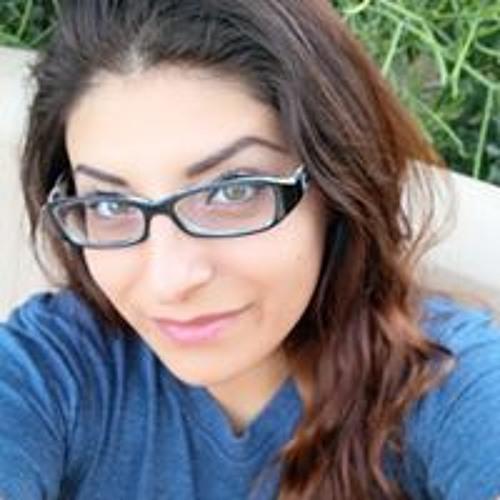 Emma Quintanilla's avatar