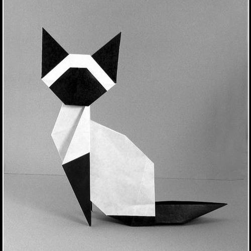Easy-peasy Origami Cat Tutorial – The Bear & The Fox | 500x500
