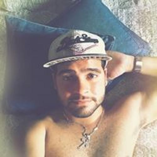 Lucas Lira's avatar