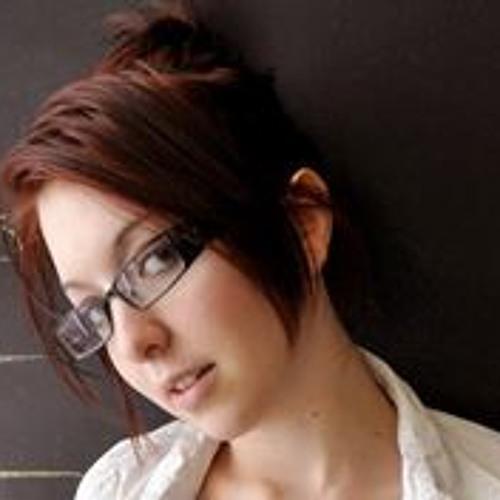 Christine Yamata's avatar