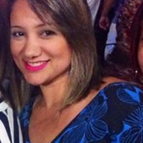 Monica Nascimento's avatar