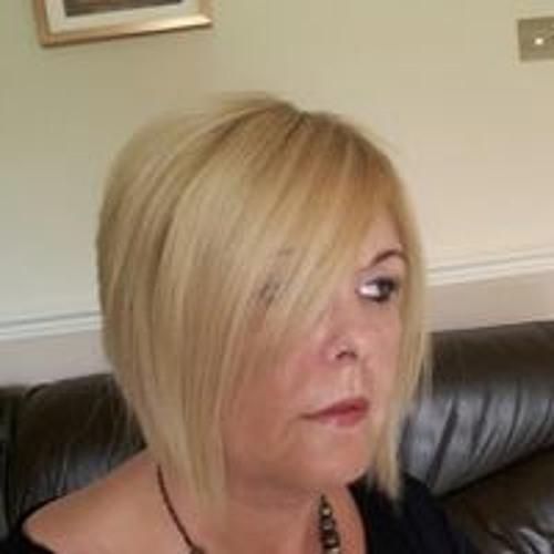 Fiona Searle's avatar