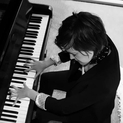 Amy Bastow - Composer's avatar