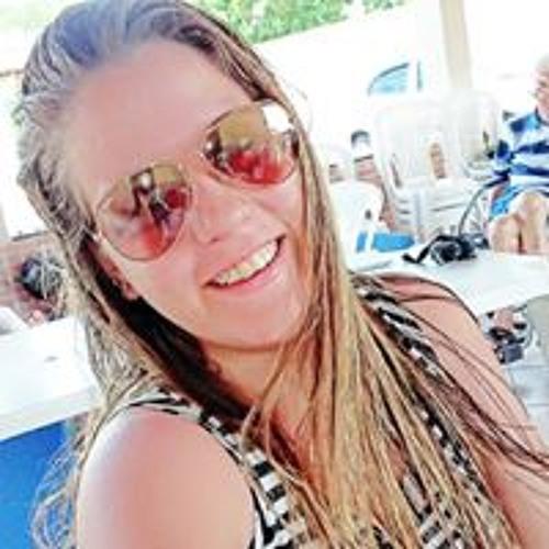 Luisa Nery's avatar