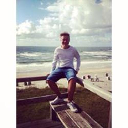 Liam Hrms's avatar