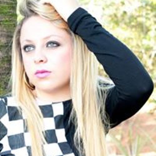 Sarah Oliveira's avatar