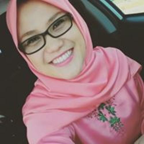 Kayti Kamil's avatar