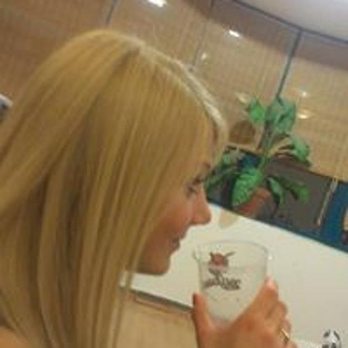 Dóra Mogyorósi's avatar