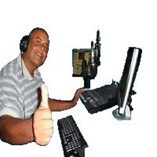 Val Bahia's avatar