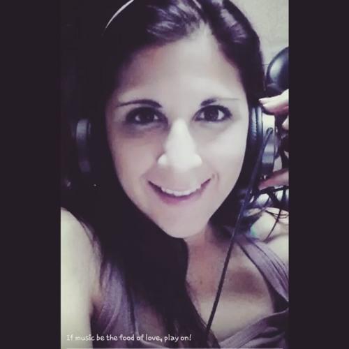 Erika Valeria's avatar