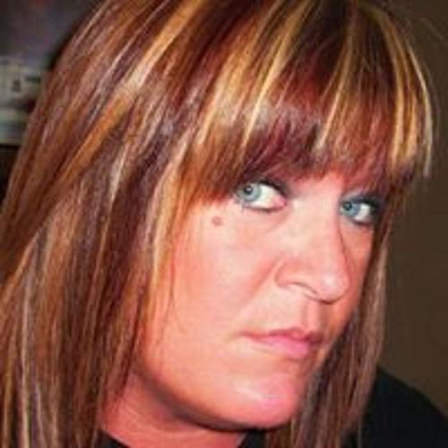 Laura Groves Woods's avatar