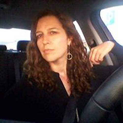 Amélia Pires's avatar
