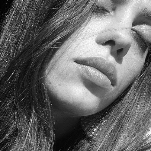 Andreia Nascimento's avatar