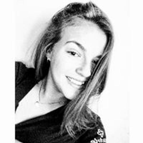 Camila Carvalho's avatar