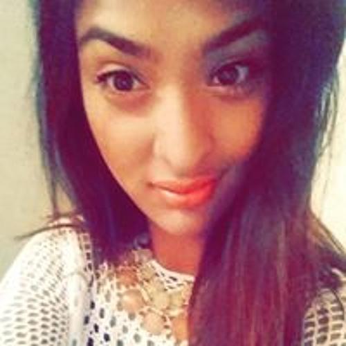 Richa Basnet's avatar