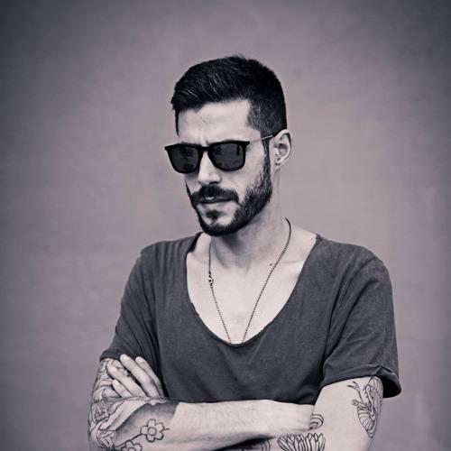 Victor Vega's avatar