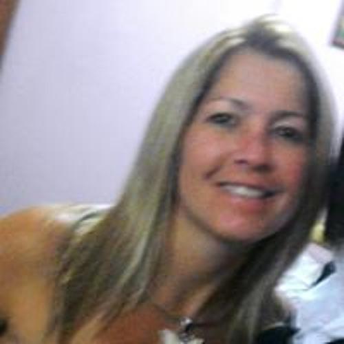 Alessandra Fonseca's avatar