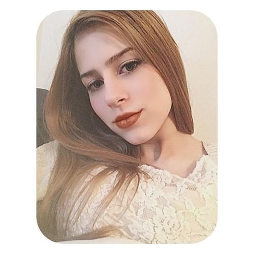 Claudia V's avatar