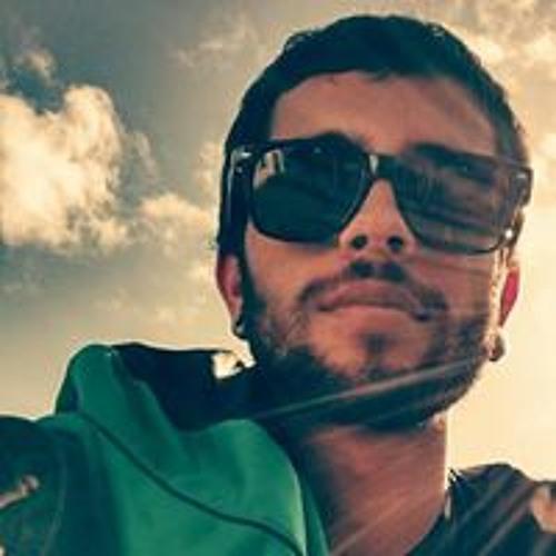 Aaron Gomes's avatar