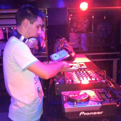 DJ Rogy-V's avatar
