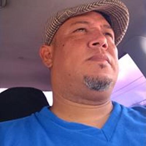 Henry Julian Guerrero's avatar