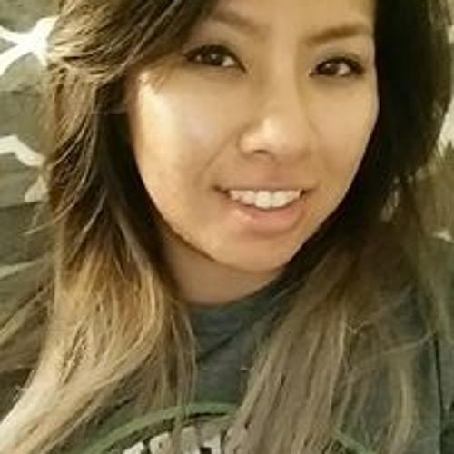Elizabeth Hong's avatar